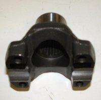 PM2-4-4341  YOKE,1310 CV 26 spline