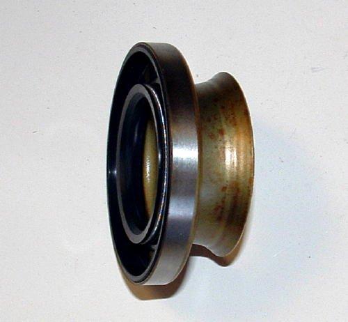 NS470682 Seal Dana 60 inner at carrier